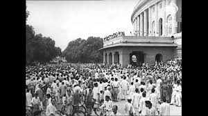 declaration of independence on  live the day of 15th 1947 when gains independence
