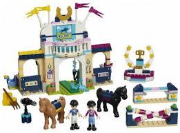 Купить <b>конструктор Lego Friends</b>: <b>Соревнования</b> по конкуру (41367)