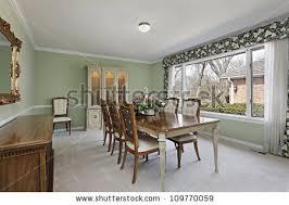 green walls dining