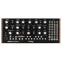 <b>Синтезатор Moog Mother-32</b>