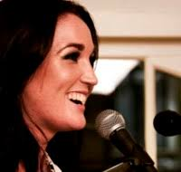 With a musical soul and an entrepreneurial mind, the two chords of singer songwriter Vanessa Knight's career are in perfect harmony. - BS40-vanessa-knight-web