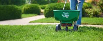<b>Lawn</b> Watering Tips - Best Times & Schedules - Scotts Canada