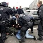 Demonstration am Flughafen Düsseldorf eskaliert