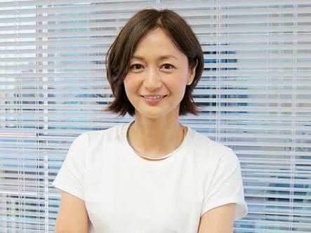 白Tの富岡佳子