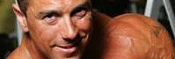 Manuel Manchado, conocido por obtener el título de Míster Universo 2003, está acusado de traficar con anabolizantes y condenado a pasar dos años en prisión. - misteruniversobig_4660_0