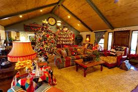 living rooms decorated for christmas