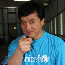 Estrellas del cine chino como Jackie Chan o el director Feng Xiaokang, que también tienen el cargo de asesores políticos en el régimen comunista, ... - Jackie_Chan