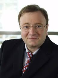 Dr-<b>Fritz-Moser</b> in Hamburg: Dr. <b>Fritz Moser</b> ist neuer Vorstandsvorsitzender <b>...</b> - Dr-Fritz-Moser