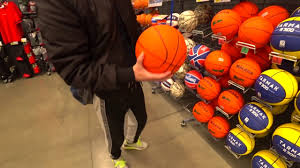 выбираем <b>баскетбольный мяч</b>тестируем <b>баскетбольный мяч</b> ...