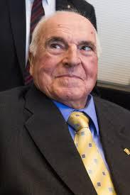 Helmut Kohl - Helmut Kohl Visits CDU Bundestag Faction - Helmut%2BKohl%2BHelmut%2BKohl%2BVisits%2BCDU%2BBundestag%2B7wSOeBfgMTil