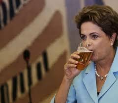 Resultado de imagem para imagem de alemão bebendo cerveja