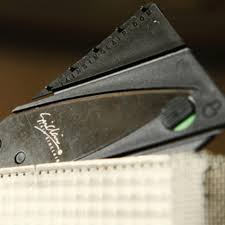 <b>Credit Card Knife</b> – Scam Stuff
