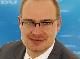 <b>Sven Schümann</b>. Sven Schümann (35 , Jurist) rückte im Oktober 2008 für den <b>...</b> - schuemann_sven