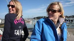 Créée en décembre dernier, la société Rock and Sails pilotée par Fanny Adam (au premier plan, ici avec Amélie Callens, graphiste) est basée à La Trinité. | - une-nouvelle-marque-de-vetements-de-mer