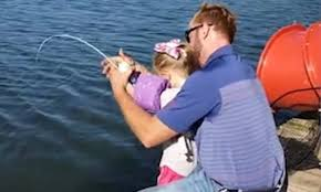 Girl reels in 'monster' 33-pound fish with <b>mini</b> 'Frozen' <b>fishing pole</b> ...