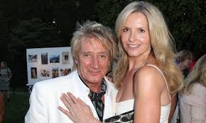 Penny Lancaster shares dreamy snaps from holiday with <b>Rod Stewart</b>