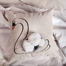 <b>Подушка декоративная</b> Лебедь с <b>помпонами</b> купить в Москве ...