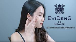<b>Evidens De Beaute The</b> Luminous Fluid Foundation - YouTube