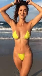 nepotreban noćna mora lopata amateur ripped bikini nude ...