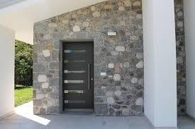 Zoccolo Esterno In Pietra : Idealtrend porte du ingresso in alluminio referenze