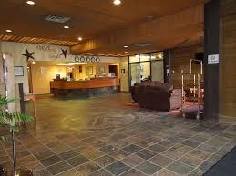 Walking Eagle Inn & Lodge (Канада Роки-Маунтин-Хаус) - Booking ...