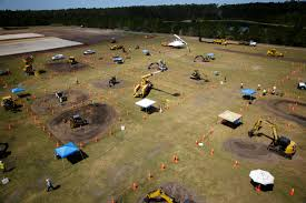expo shows students alternatives to college clay today expo shows students alternatives to college various pieces of fdot machinery sit in a field outside the jacksonville equestrian center during the