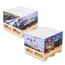<b>Brauberg Блок</b> самоклеящихся стикеров на деревянной подставке