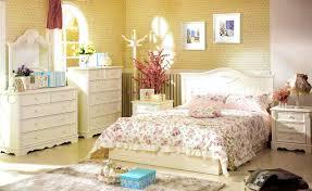 yellow farmhouse bedroom