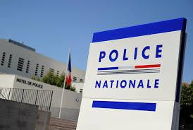 Maine-et-Loire: un enfant de 10 ans chassé de chez lui se présente pieds nus au commissariat à minuit