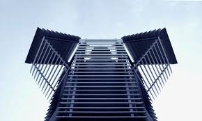 This tower sucks up smog and turns it into diamonds |