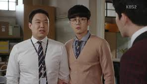 chief kim episode korean drama recaps employees don t file a formal complaint but manager lee explains that those legal fights only succeed against small businesses not big corporations