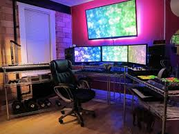 30 coolest and inspiring multi monitor gaming setups basement office setup 3 primary
