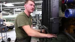 life as a mechanic clr 1 marine keeps trucks running