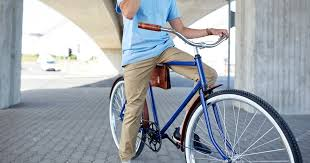 Фотография man with smartphone and <b>fixed gear</b> bike on street от ...