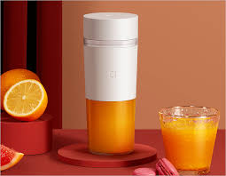 <b>Xiaomi's MIJIA Portable</b> Juicer can extract 12 cups of juice on a ...