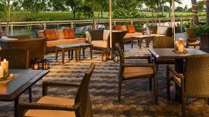 hotel restaurant patio