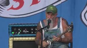 Rock & Metal Forever and Ever - <b>Seasick Steve</b> playing a <b>hubcap</b> ...