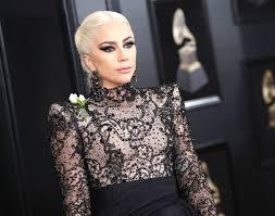 <b>Мама</b> монстров тоже в деле! Леди Гага запускает линию <b>косметики</b>
