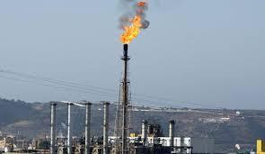 Toujours pas de redressement des cours de pétrole: Le gouvernement revoit l'ordre des priorités et envisage des coupes budgétaires