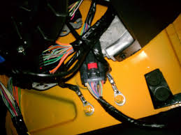 door wiring harness jeep wrangler forum yes daggo i can confirm a pic 2012 jku dozer pic is of the pass front kick panel