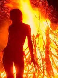 प्यार में नाकाम सिरफिरे आशिक ने प्रेमिका को जिंदा जलाया