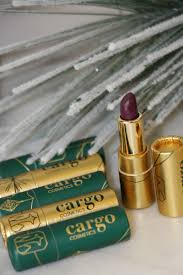 Holiday-Ready <b>Makeup</b> Must Haves - MomTrends