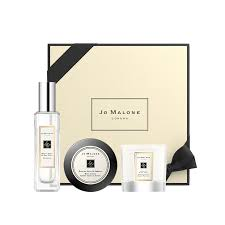 <b>Sweet Almond</b> & Macaroon Home Candle | <b>Jo Malone</b> London