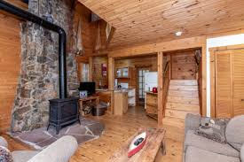 <b>Aisling</b> Lakehouse (Parry Sound) – 2020 Updated Prices | Expedia