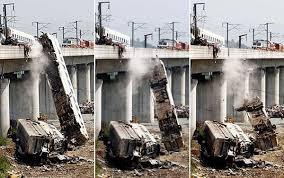 「2011年温州市鉄道衝突脱線事故」の画像検索結果
