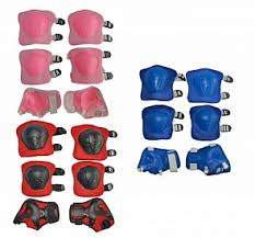 <b>Защита</b> для детей: <b>шлемы</b>, наколенники, налокотники в ...