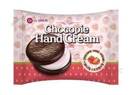 <b>Крем для рук</b> Чокопай клубничный The Saem <b>Chocopie</b> Hand ...