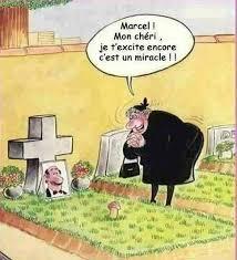 L'Humour Noir... - Page 20 Images?q=tbn:ANd9GcS5GVIVwkalQQjbnFbMHzgSs2GSXAuYV7zUiv6iCieBZeWWPGYl