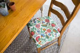 How to Re-Cover a <b>Dining</b> Room <b>Chair</b> | Reupholstering Seat ...