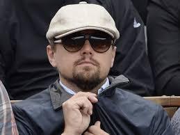 Leonardo DiCaprio à Roland Garros 2013. De passage en France pour le Festival de Cannes, il n'a pas manqué d'assister à un match du célèbre tournoi. - Leonardo-DiCaprio-a-Roland-Garros-2013